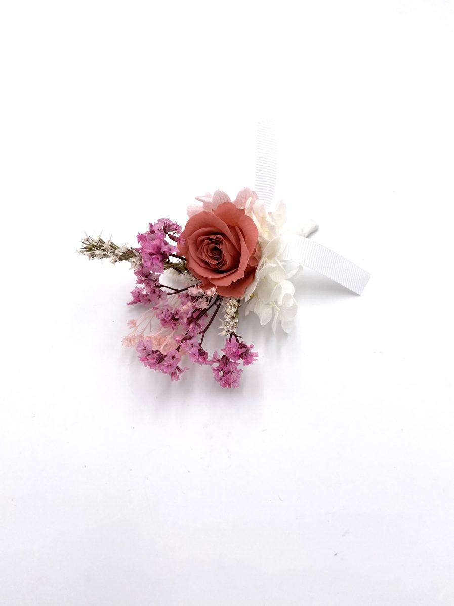 Boutonnière en fleurs stabilisées Grenat