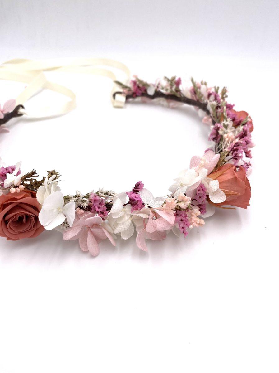 Couronne en fleurs séchées et stabilisées Grenat pour la mariée