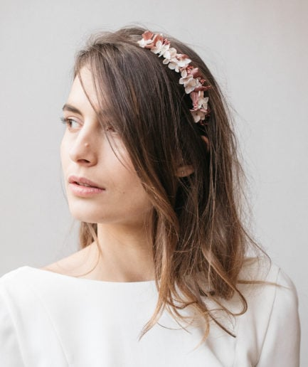 Headband en fleurs mini Quartz pour la mariée