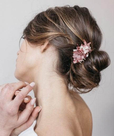 Peigne de fleurs mini Quartz pour la mariée moderne