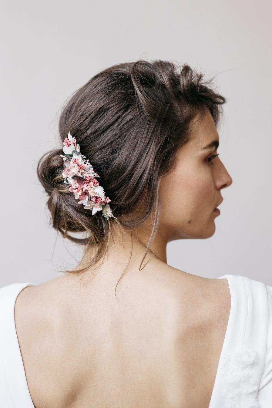 Peigne de mariée Tourmaline en fleurs stabilisées naturelles