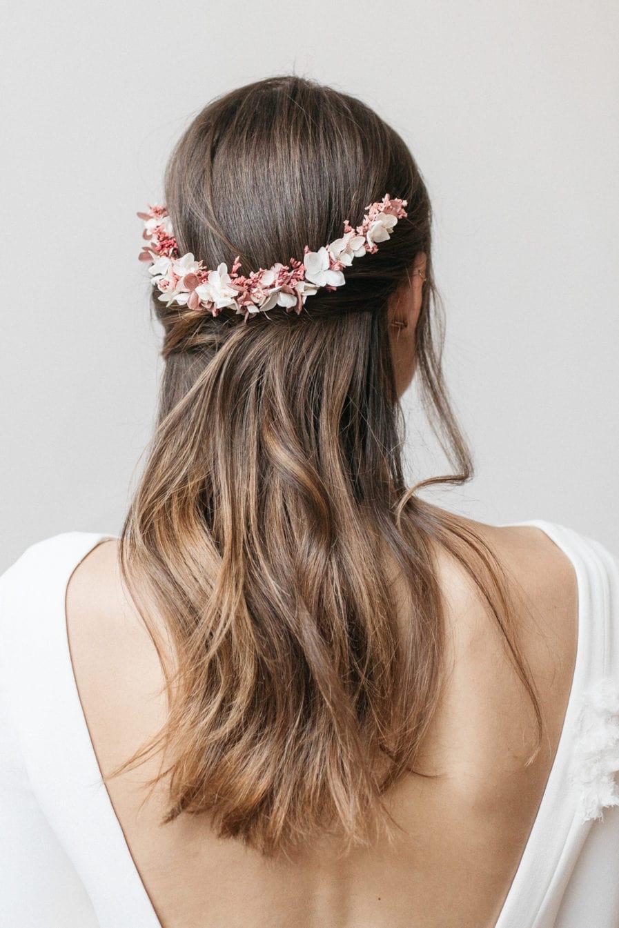 Peigne de mariée en fleurs stabilisées Quartz long aux tons roses