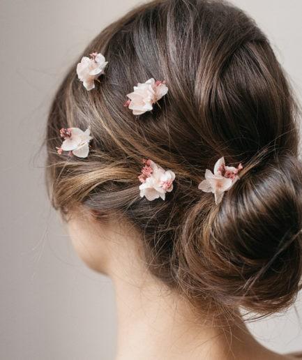 Pics à cheveux de mariée Quartz en fleurs stabilisées