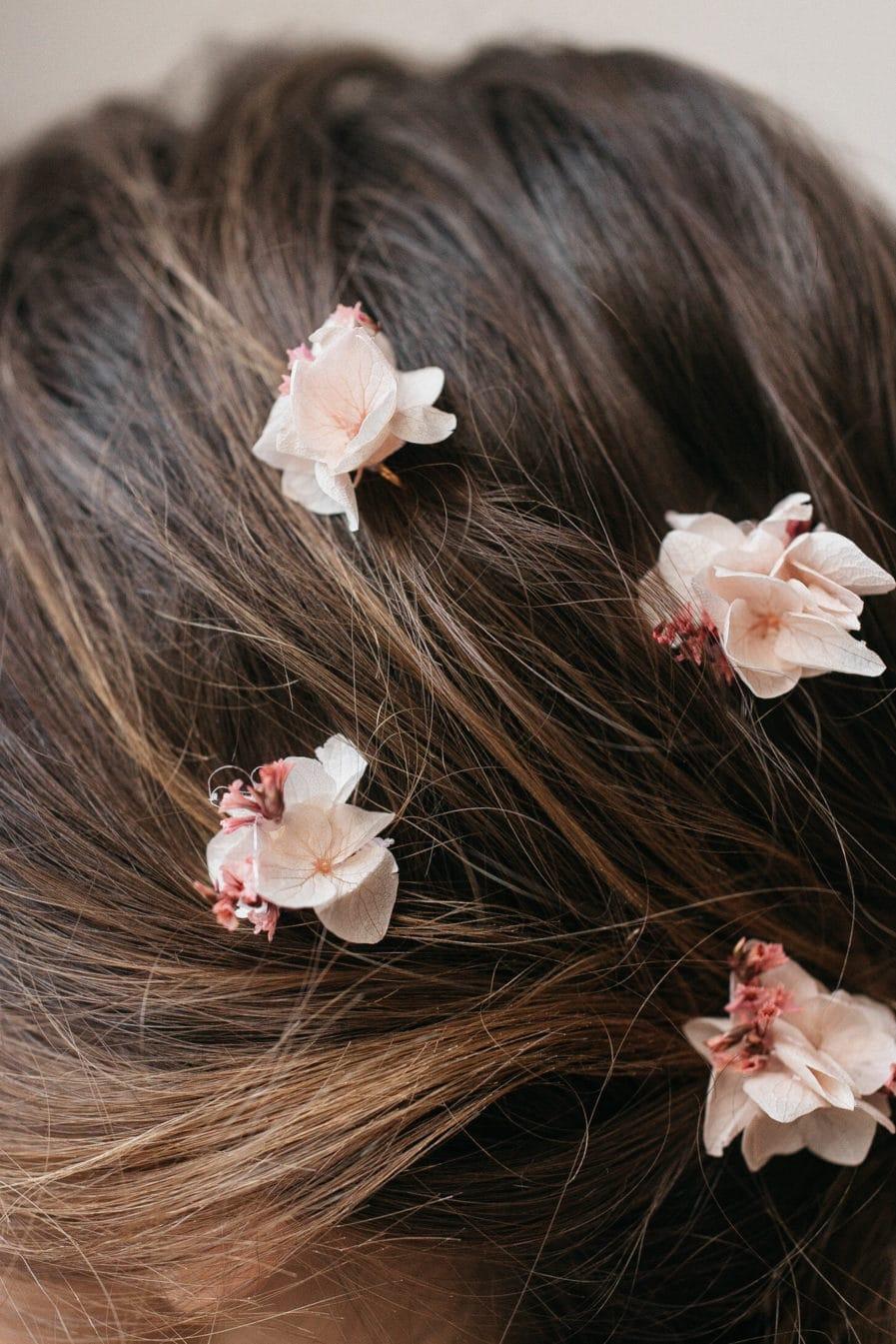 Pics à cheveux en fleurs stabilisées Quartz