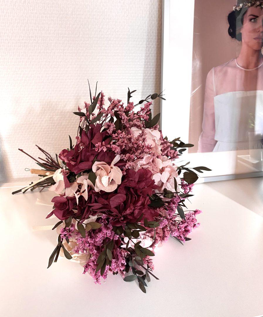 Bouquet en fleurs stabilisées Carmin pour la mariée