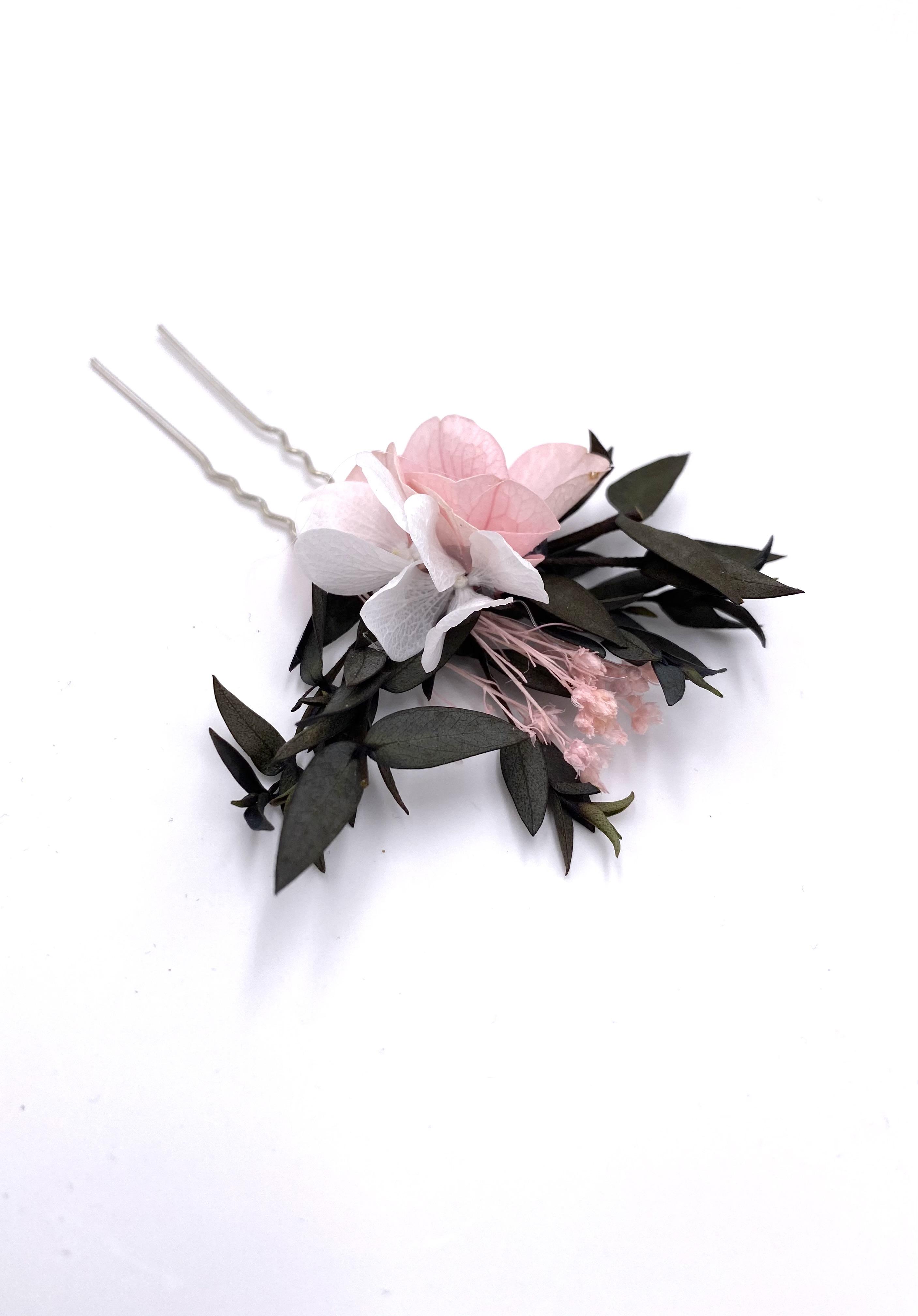 Broche de fleurs stabilisées Lima pour la mariée