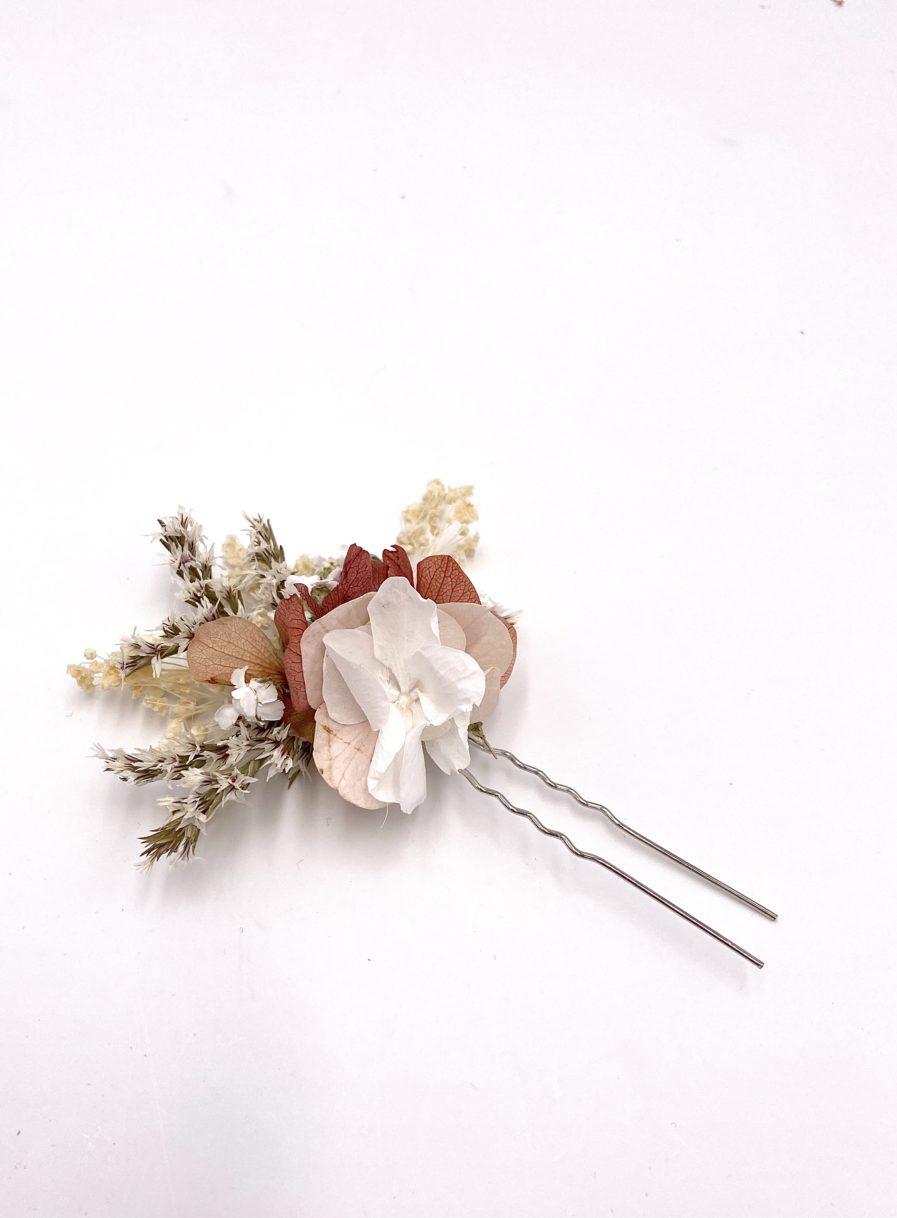 Broche en fleurs stabilisées Blush