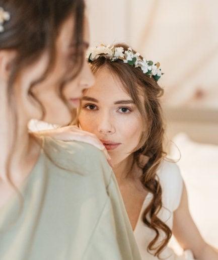 Couronne en fleurs stabilisées Opaline de mariage