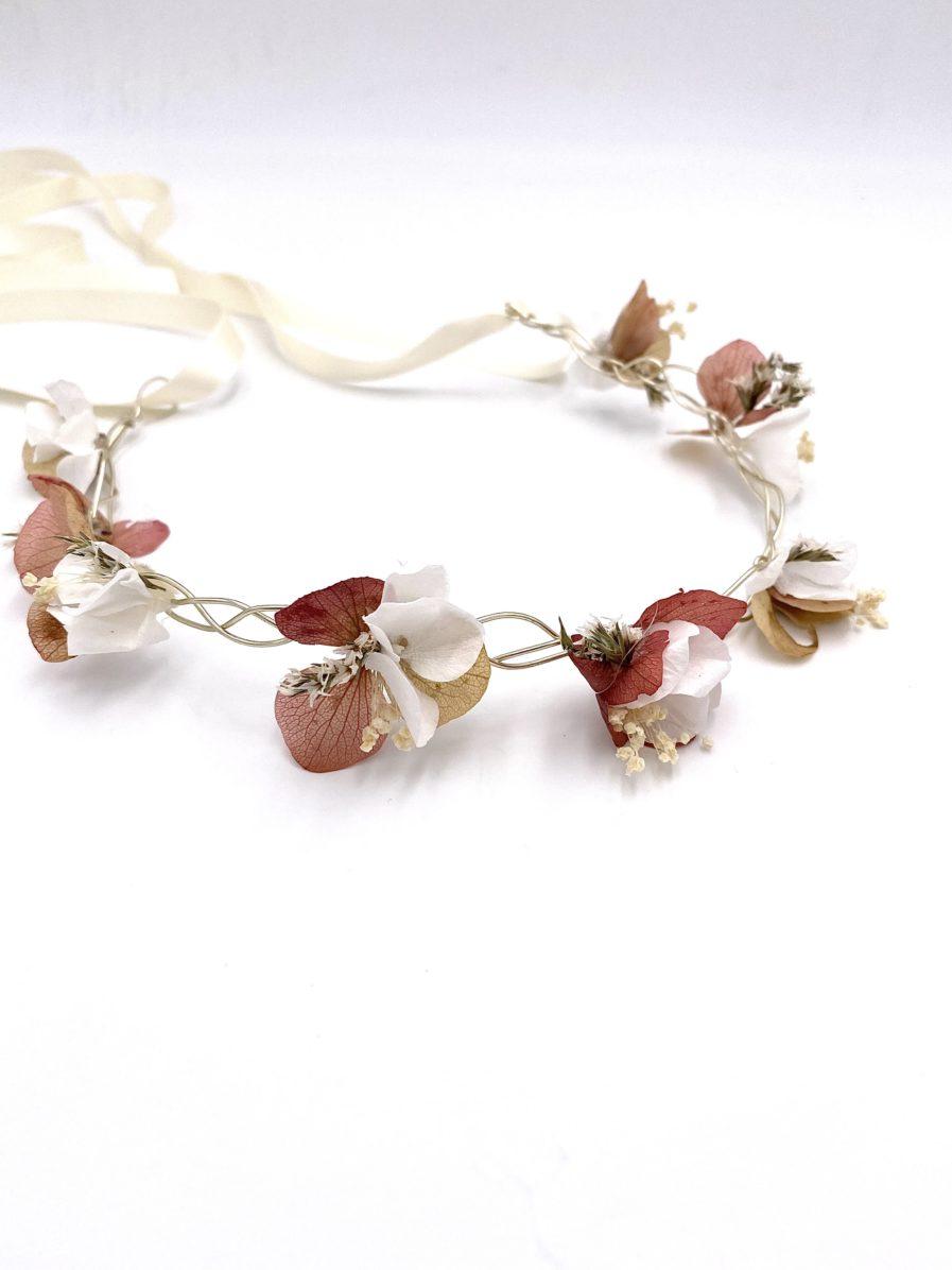 Demie-couronne en fleurs stabilisées Blush pour la demoiselle d'honneur