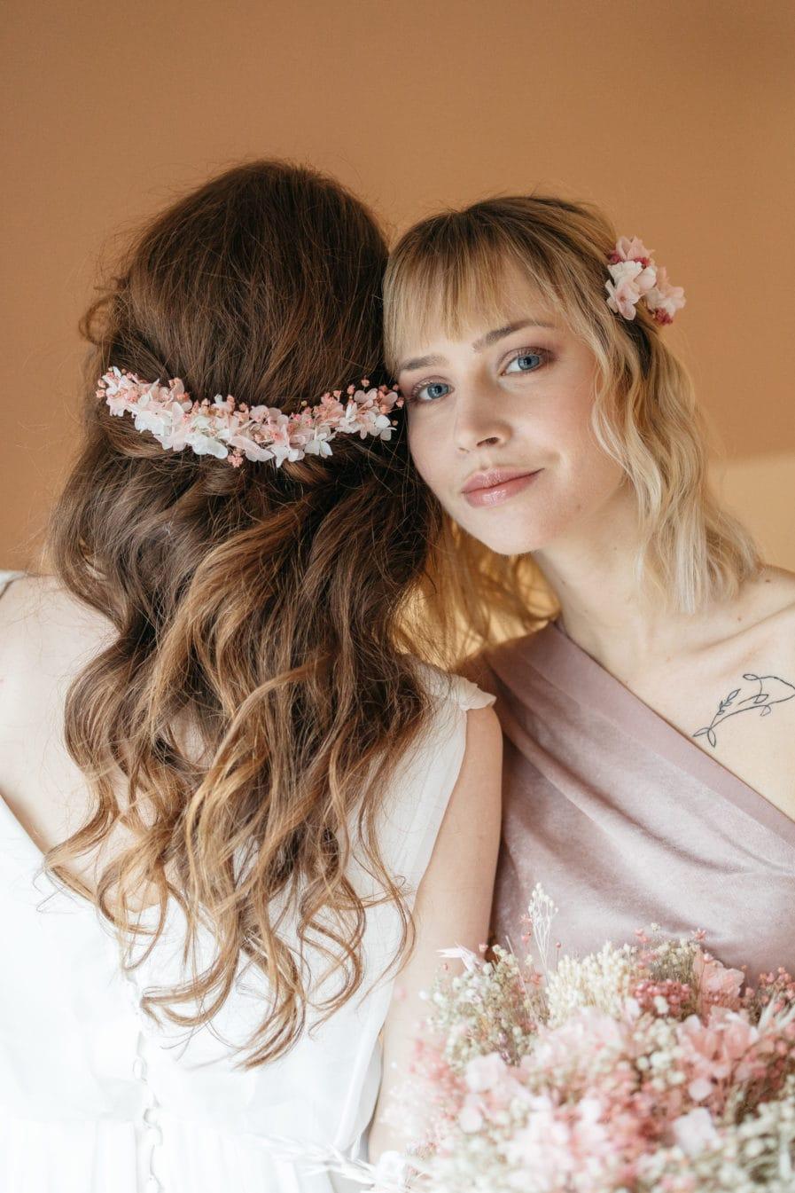 Peigne en fleurs Candi long pour la mariée