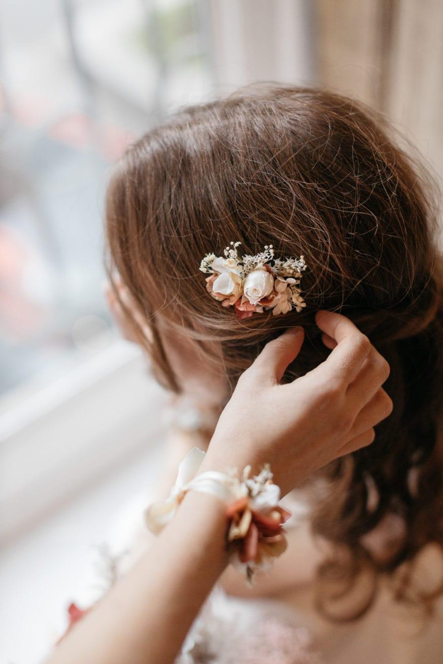 Peigne mini en fleurs stabilisées Blush